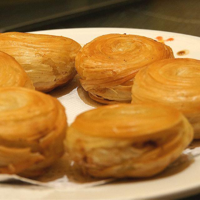 """千层油酥饼(荣获""""金鼎奖"""",""""中华名小吃""""称号)"""