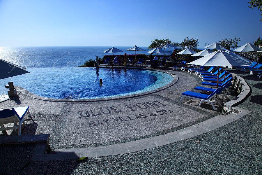 无边泳池> 蓝点> 乌鲁瓦图断崖 库塔海滩   玻璃教堂