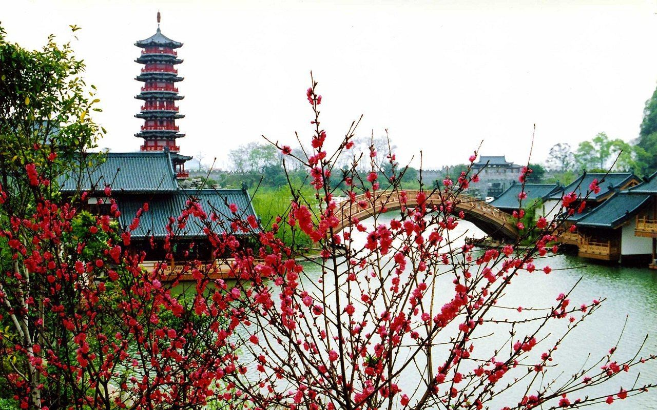桂林人文景观_桂林溶洞摄影图__人文景观_旅游摄影_摄影图