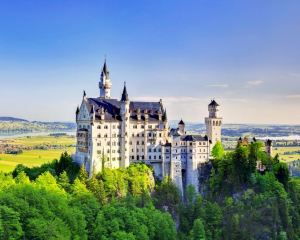 A Complete Guide to the Fairytale Neuschwanstein Castle