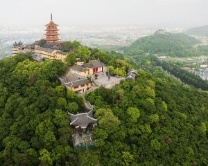 Looking to the Distance, One Can Spot the Beach Treads and Waves, And the Surrounding Area of Nantong is Close to Nature