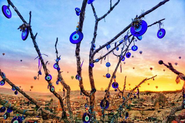 Pantone 公布2020年度代表色,全球🌎6個「經典藍」景點推介