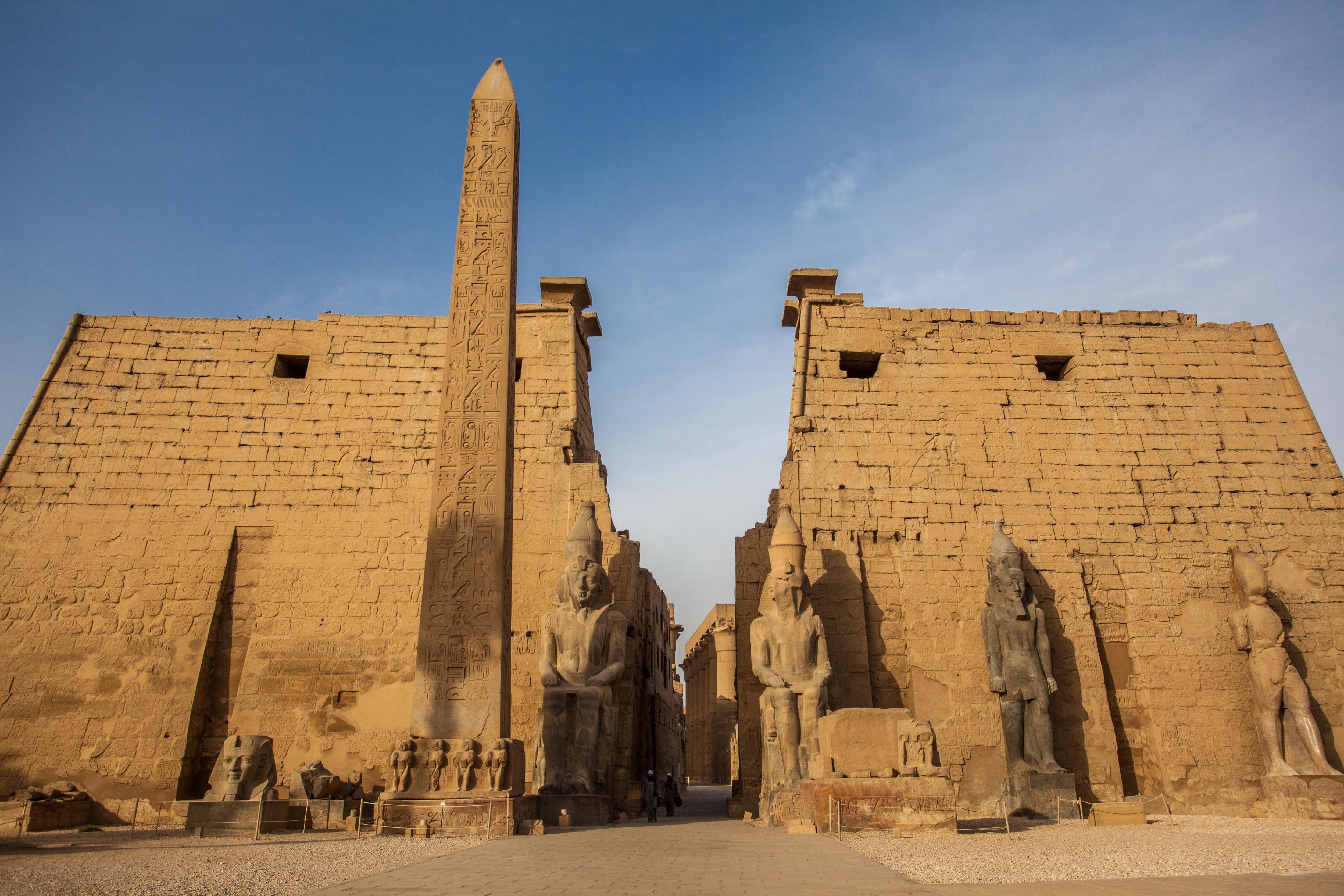 埃及亞斯文盧克索城際包車一日遊(單程酒店接送)