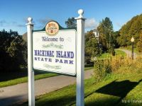 Lakefront Hotels in Mackinac Island: 10 Best Budget Choices
