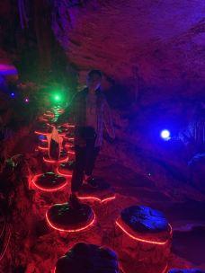 龙王洞-石门