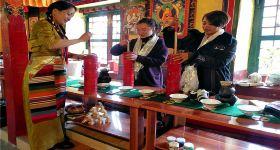拉萨绛白文化体验馆下午茶(藏家甜甜圈+牦牛酸奶)