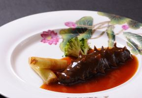 If You Come to Qingdao, How Could You Not Taste Local Specialties?