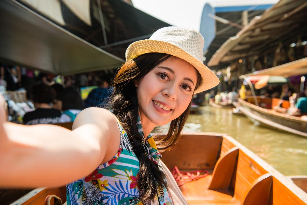 曼谷丹嫩沙多水上市場+美功鐵路市場半日遊