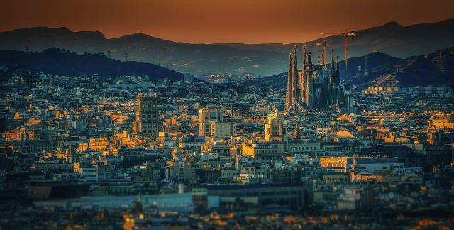 Architectural Landmarks: 10 Amazing Buildings Around the World