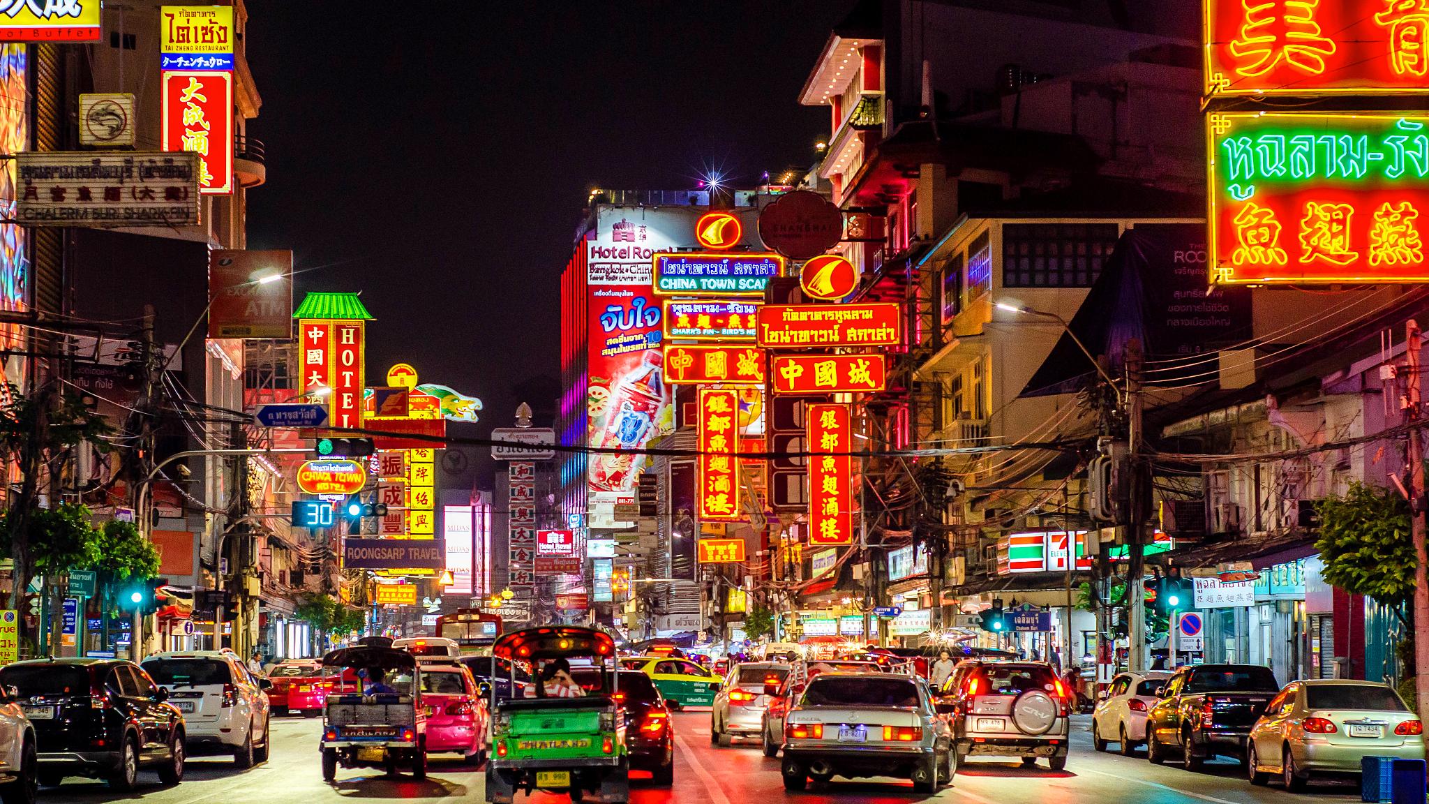 泰國曼谷丹嫩沙多水上集市+美功鐵道市場+唐人街+碼頭夜市一日遊