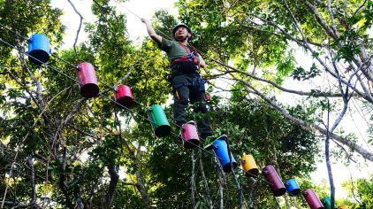 飞跃亚龙湾雨林 (1)