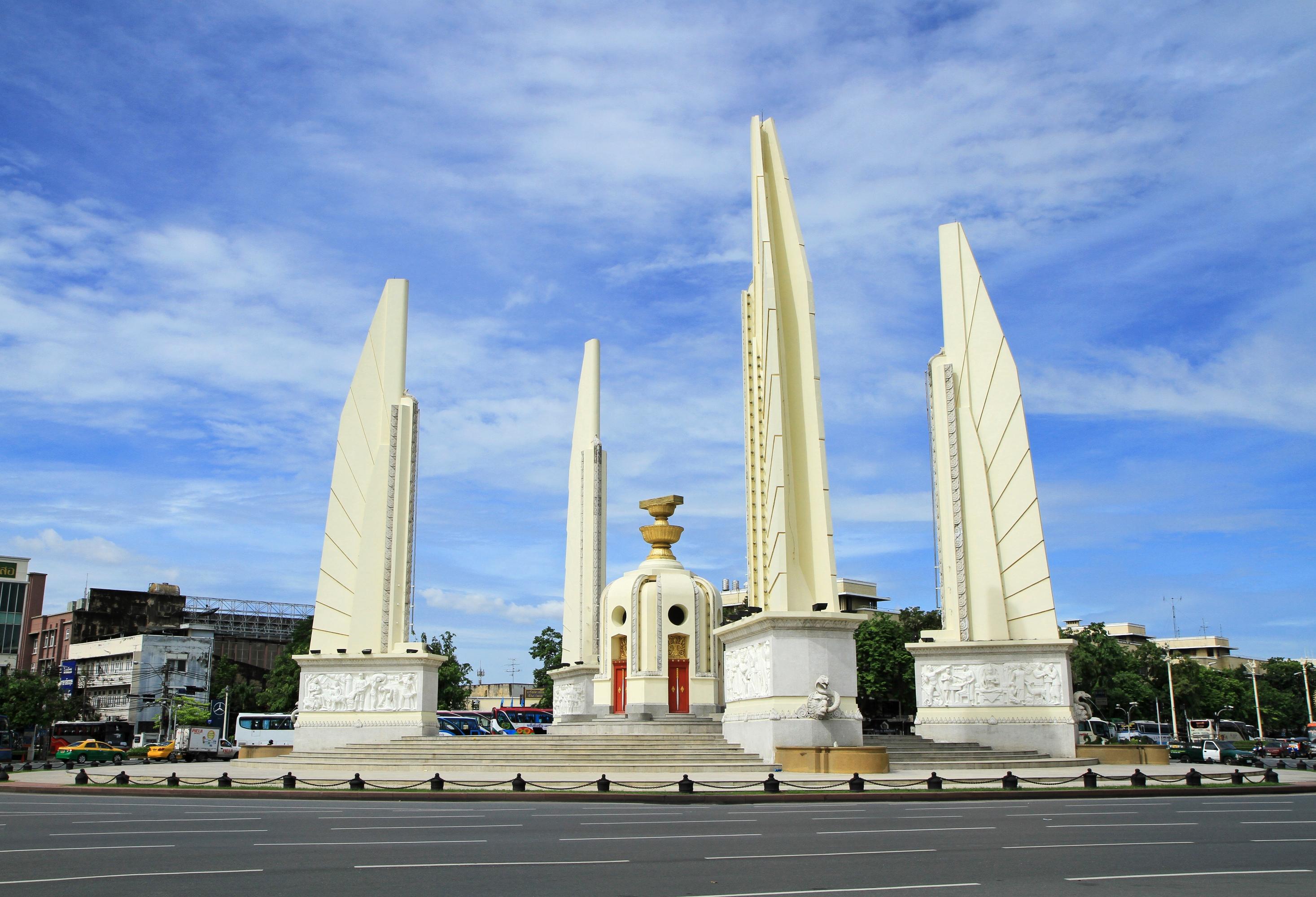 民主紀念碑  Democracy Monument   -1