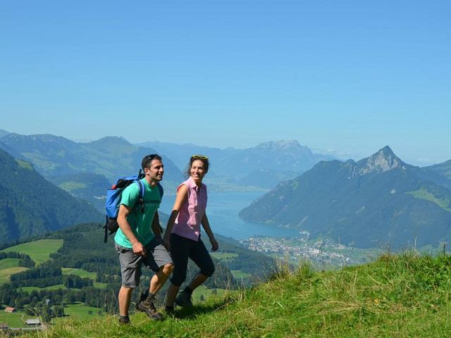 Enjoy Scenery on Foot: 6 Classic Hiking Routes in Switzerland