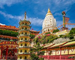 Do You Want to Come Across All Kinds of Old Special Buildings in The Streets and Alley Ways? Penang, Will Take You from The Luxurious Dwellings of The Overseas Chinese to Mosques and British Castles.