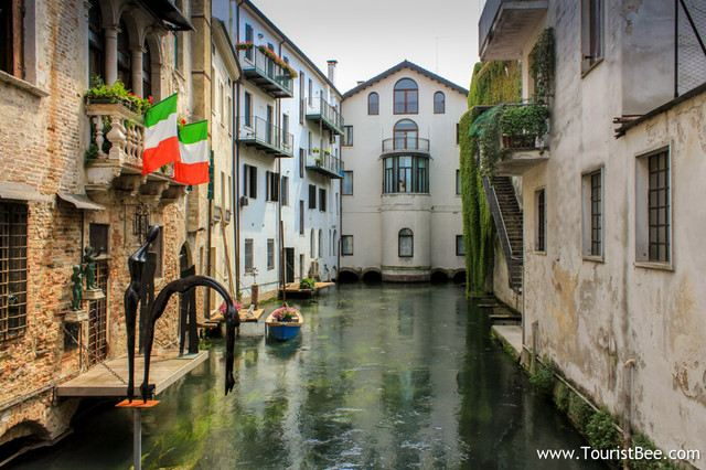There Are Many Top Tourist Locations in the Towns Around Venice, Including the Location of Romeo and Juliet's Love Story Which is Well Worth Visiting!