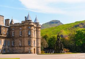 Top Attraction in Edinburgh: Palace of Holyroodhouse