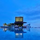曼谷137柱套房酒店