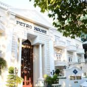 佩特洛大廈酒店