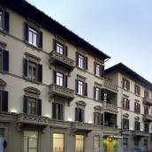 帕拉索歐尼莎堤酒店