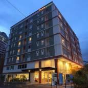 曼谷普羅姆阿查達公寓酒店