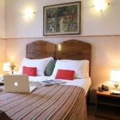 拉坎達帕奇酒店