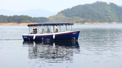 城中湖休闲游船 (4).jpg