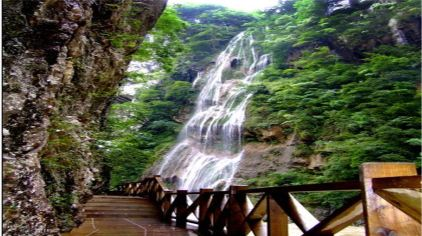 南江大峡谷2-2.jpg