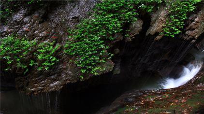龙水峡地缝8.jpg