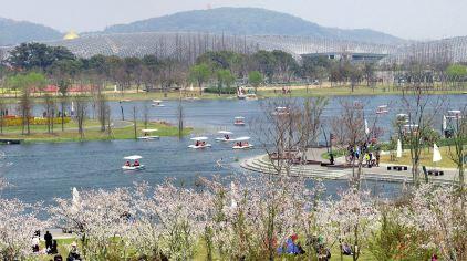 灵湖揽春.jpg
