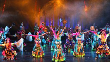 大型民俗舞蹈诗画《香格里拉》3.jpg