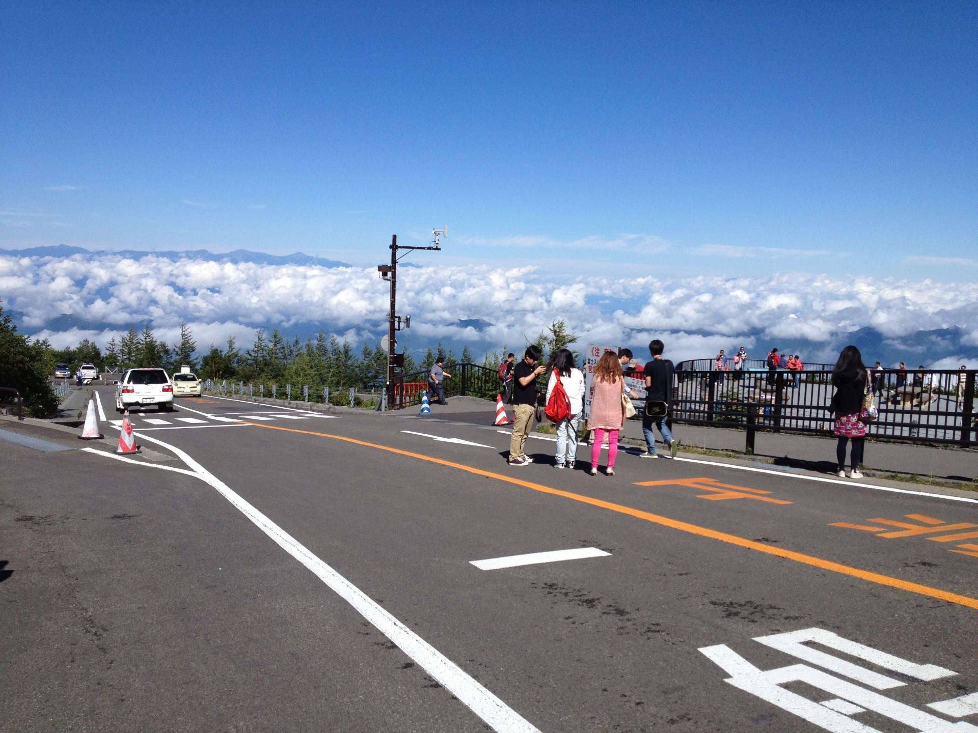 富士山日帰り&昼食付きツアー