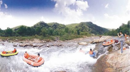 红河谷峡谷漂流