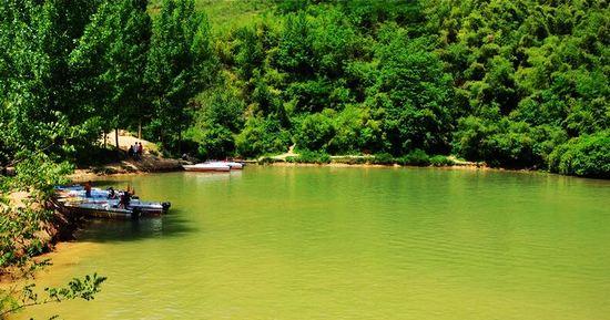 位于白鹿原狄寨镇南2公里,距西安约30公里  标签: 旅游景点 风景区
