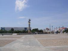 成吉思汗广场-海拉尔区-开车的andy