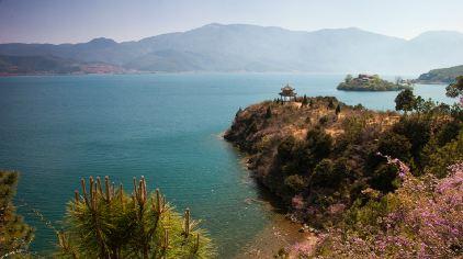 四川-泸沽湖-后龙山.jpg