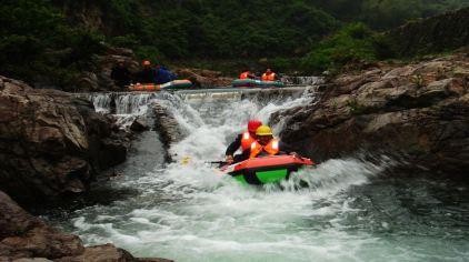 龙王山峡谷漂流2.jpg