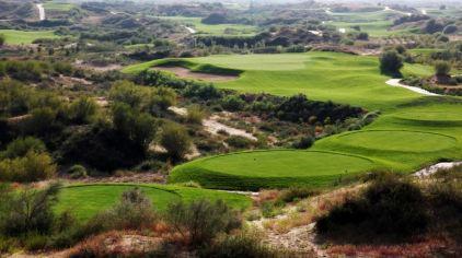 大漠绿淘沙高尔夫3.jpg