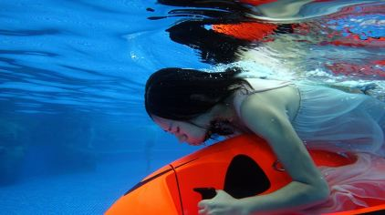 骑乐海豚水下推行器7.jpg